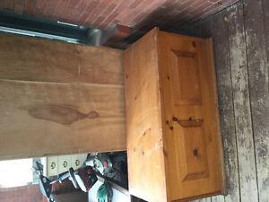 Cedar hope chest or coffee table