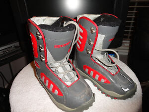 "Used Women & Youth ""Hemper"" Snowboard Boots Size 4 London Ontario image 1"