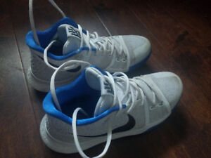 Nike Basketball Kyrie Irving 3 Sneaker - 9 US - Box included!!!