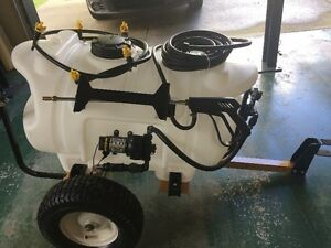 40 Gal Deluxe CountyLine Spayer (400.00 OBO)