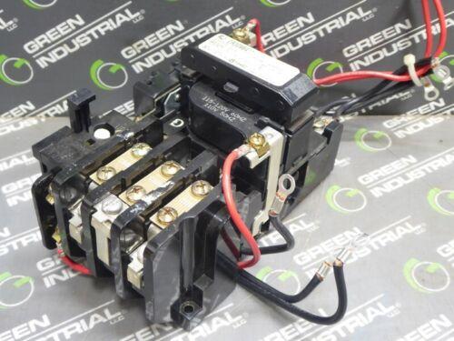 USED General Electric CR309B4** Motor Starter NEMA Size 0 120V Coil 600VAC 18A