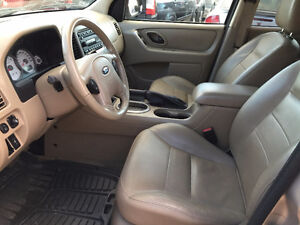 2007 FORD ESCAPE FULLY LOADED...4X4 ...VERY CLEAN Edmonton Edmonton Area image 8