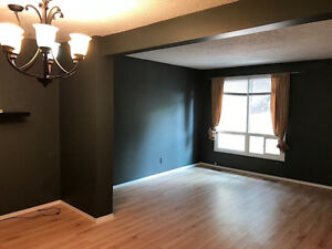 Action now! Wildwood Village Townhouse Available Immediately