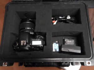 Canon EOS 7D Digital SLR Body with EFS 18-85 mm  (Used)