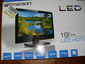 19 inch flat screen TV by Emerson