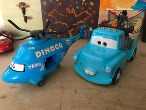 DISNEY PIXAR CARS / BRAND NEW MATER & DINOCO HELICOPTER