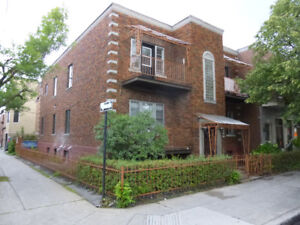 SHORT TERM or LONG TERM Little Italy 4 1/2  2 BR , Furnished