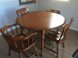 REDUCED!! MAPLE TABLE AND CHAIRS