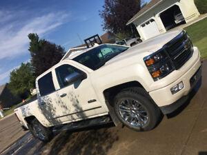 2015 Chevrolet Silverado 1500 High Country Pickup Truck