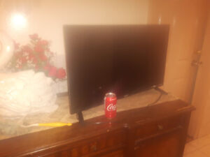 "32"" (80mm) 720 P HD TV for sale !"