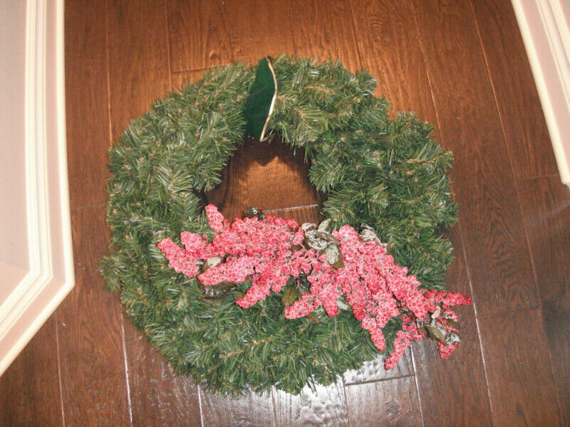 22 Quot Wreath With Berries Holiday Event Amp Seasonal