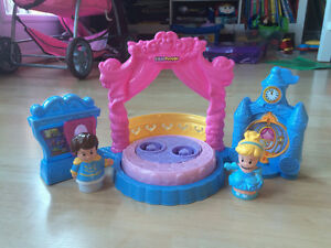 Disney Princess Cinderella's Ball Little People Set $8