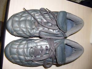 Reebok Women's Soccer Shoes - size 7.5