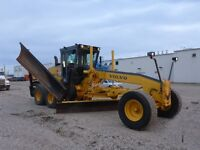 2004 Volvo G740B grader - just in time for the snow!