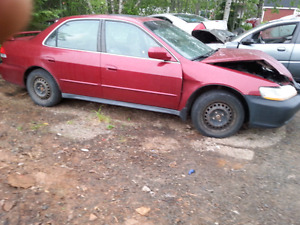 PARTING OUT 2002 HONDA ACCORD AUTO 4CYLINDER