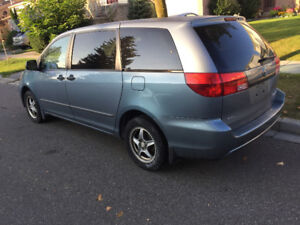One Owner Extra clean Sienna Winter tires -8 pass-Remote Starter