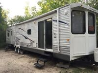 Jay Flight Bungalow by Jayco 40ft *FULLY LOADED*