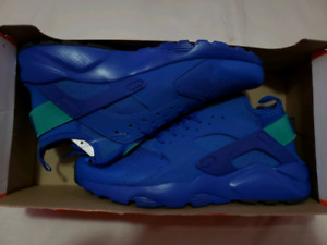 DS Air Huarache Ultra size 9 men $90