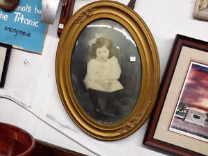 ANTIQUE OVAL FRAME PICTURES WAS $75.00 NOW $40.00 Kingston Kingston Area image 1
