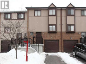 Beautiful Townhouse,3Beds,2Baths,164 MOREGATE CRES Brampton