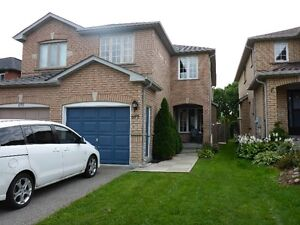 Newmarket WHOLE House - Bayview/Mullock 3 bedroom