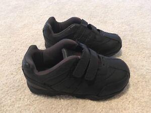 Black sneaker size 8.5 Peterborough Peterborough Area image 2