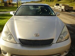 2005 Lexus ES 330 Luxury Sedan