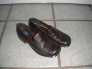 sz 8 brown shoes