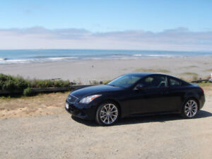 2009 Infiniti G37S Coupe (6MT)