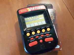 Electronic Yahtzee and dung card game