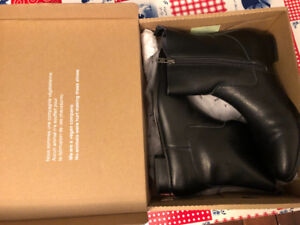 New black boots size 9 (40)
