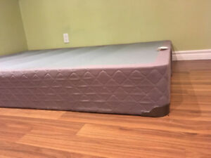 BRAND NEW BOX SPRING - DOUBLE