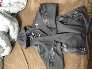 Mens Size Large Under Armour zip up hoodie