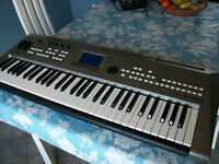 Synthetiseur Yamaha MM6