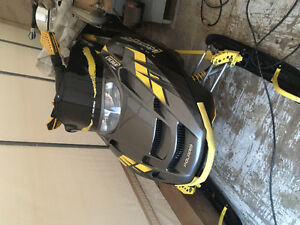 2004 Polaris rmk vertical edge 800