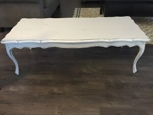 Vintage Shabby Chic Coffee Table!
