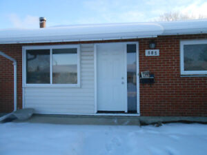 3 Bedroom, 1 bathroom townhouse is a MUST SEE!