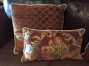 Coussins de très bonne qualité / high quality cushions  West Island Greater Montréal image 2