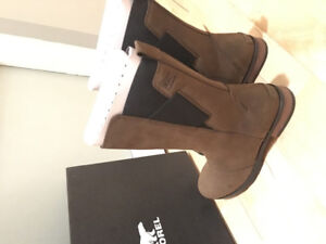 Sorel Women Mid Boot (brand new) size 9
