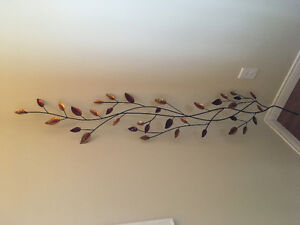 2 Decorative wall items