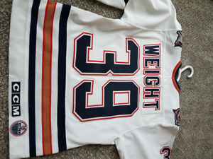 Doug weight signed oilers jersey