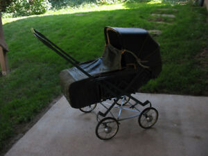 BABY CARRIAGE - HEYWOOD WAKEFIELD - ORILLIA, ONT