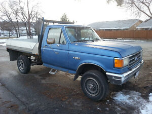 1987 Ford E-250 Pickup Truck