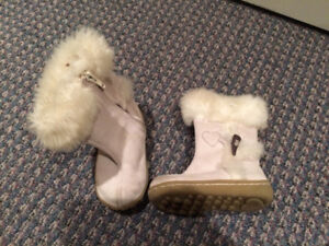 GAP suede baby boots size 5 toddler