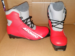 Childrens X country ski boots