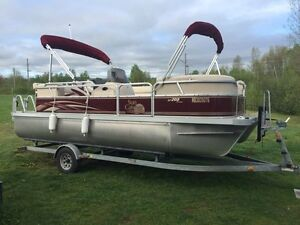 2011 sun catcher G3 pontoon