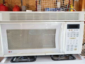 LG Microwave MV-1560T - Over the Range - Working Condition
