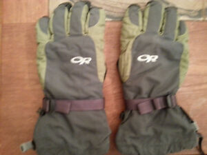 NEW OUTDOOR RESEARCH XL INSULATED GLOVES
