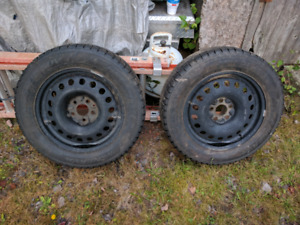 """17"""" rims with tires (215 65 17 winter)"""