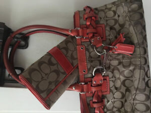 Coach Purse with matching Wallet for only $40 in very good condi